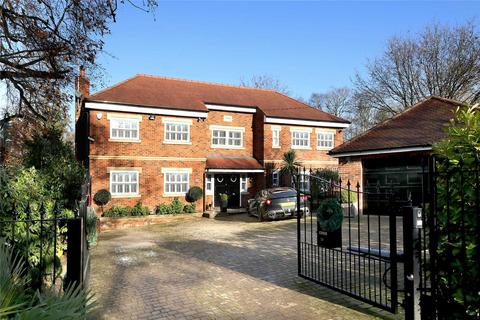 6 bedroom detached house to rent - Fulmer Drive, Gerrards Cross, Buckinghamshire, SL9