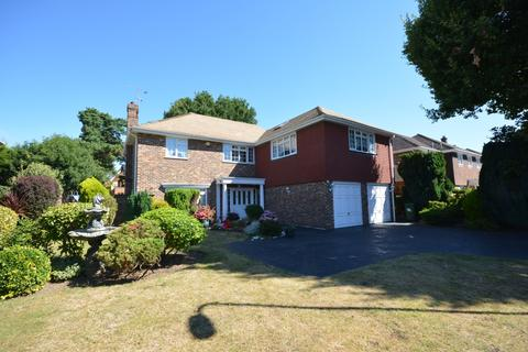 5 bedroom detached house for sale - Peerage Way, Emerson Park, Hornchurch RM11