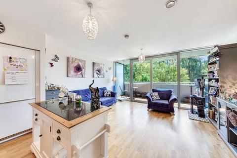 2 bedroom apartment - Colonial Drive , Bollo Lane , Chiswick  W4
