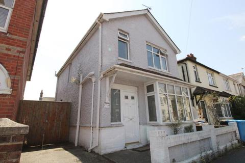 3 bedroom detached house to rent - Cheltenham Road, Parkstone, Poole BH12
