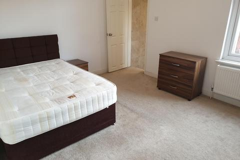 3 bedroom terraced house to rent - Claremont Road, M14 7PB