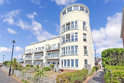 3 bedroom apartment for sale - Mariners Quay, Littlehampton, West Sussex