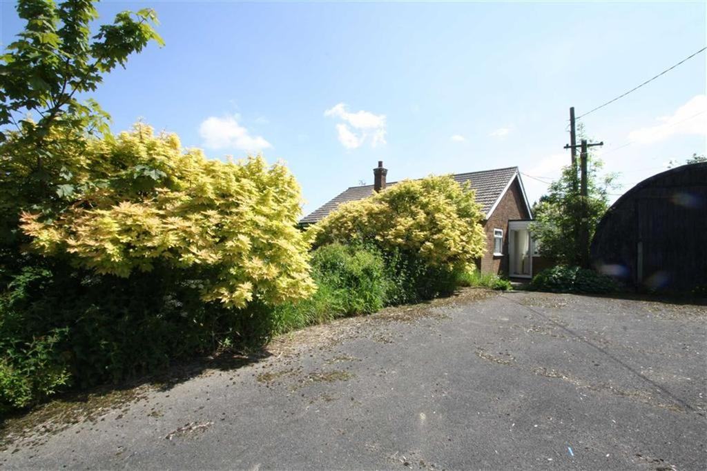 2 Bedrooms Detached Bungalow for sale in Station Road, Old Leake, Boston