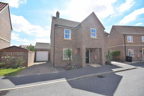 4 bedroom detached house for sale - Stebbens Way, Heybridge, Maldon, Essex, CM9
