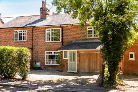 3 bedroom semi-detached house for sale - St. Catherines Hill, Mortimer, Reading