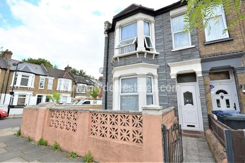 3 bedroom end of terrace house for sale - Petersfield Road, Acton
