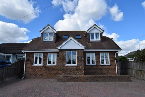 3 bedroom detached house for sale - Valkyrie Avenue, Whitstable