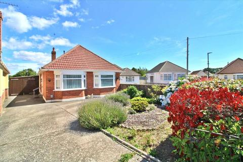 3 bedroom detached bungalow for sale - Marchwood Road, East Howe, Bournemouthth