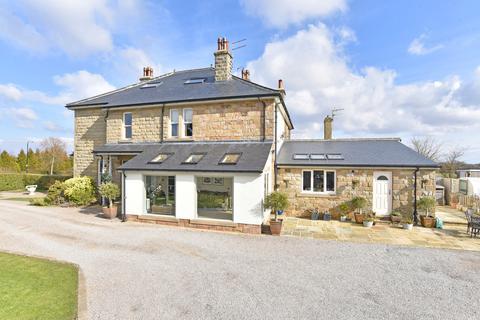 4 bedroom semi-detached house for sale - Forest Moor Road, Knaresborough