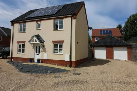 3 bedroom detached house for sale - Long Meadow Drive, Diss
