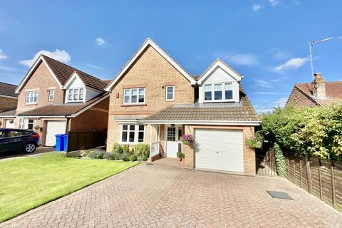 4 bedroom detached house for sale - St Annes Walk, Driffield