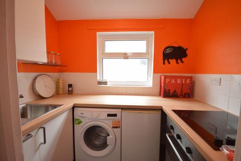 2 bedroom apartment to rent - New Road, Porthcawl CF36 5DN