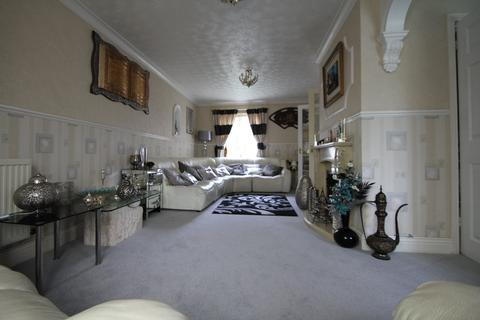 4 bedroom detached house to rent - Ermin Street, Brockworth, Gloucester