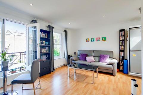 1 bedroom flat for sale - Usborne Mews, London SW8