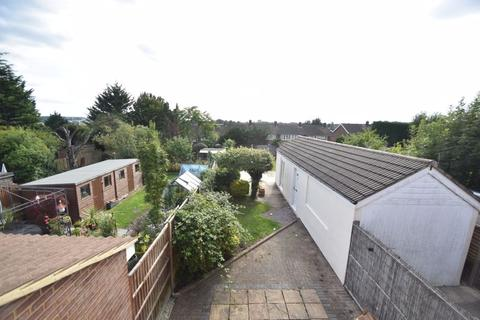 3 bedroom semi-detached house to rent - Hollybush Road, Luton