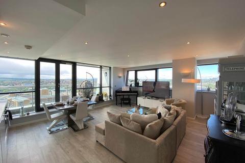 2 bedroom flat to rent - Bridgewater Place , ,