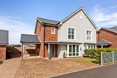 3 bedroom semi-detached house for sale - Three Bedroom Two Bathroom Semi-Detached House, The Avenue, Tunbridge Wells
