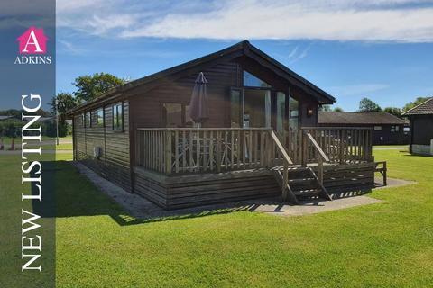 3 bedroom lodge for sale - Cotswold Hoburne - South Cerney - GL7