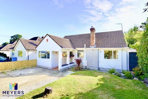 4 bedroom detached bungalow for sale - Lancaster Drive, Broadstone BH18