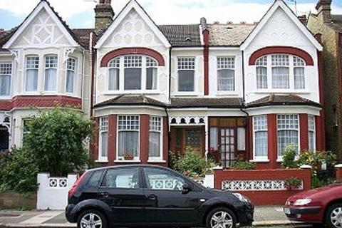 2 bedroom flat to rent - Harlech Road, Southgate
