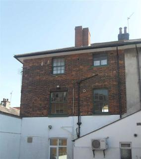 1 bedroom flat to rent - High Street, Wickford, Essex