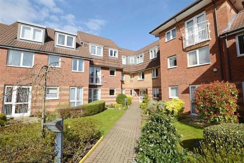 1 bedroom apartment for sale - Plymyard Avenue, Greenways Court, CH62