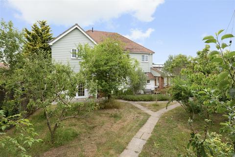 5 bedroom detached house for sale - Joy Lane, Whitstable