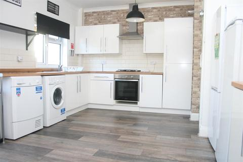 3 bedroom terraced house to rent - Holmfield Road, Coventry