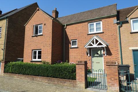 3 bedroom semi-detached house for sale - Stonehenge Road, Wichlestow, Swindon