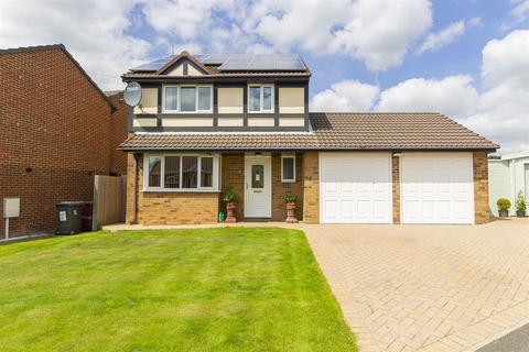 4 bedroom detached house for sale - The Fairways, Danesmoor, Chesterfield