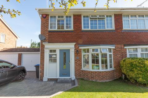 3 bedroom semi-detached house for sale - Hildersham Close, Broadstairs