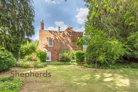 3 bedroom flat - The Red House, 164 High Road, Broxbourne, Hertfordshire, EN10