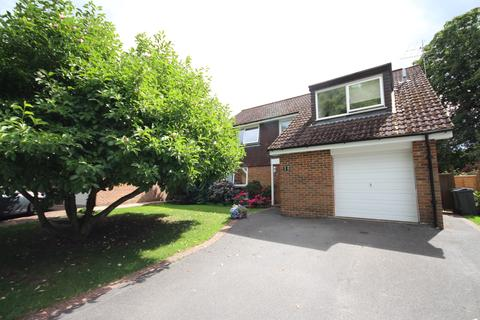 4 bedroom detached house for sale - River Area