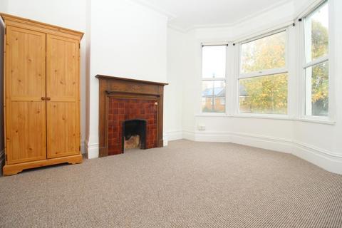 3 bedroom flat to rent - Howard Road, Walthamstow, London, E17 4SH