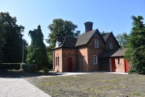 2 bedroom semi-detached house to rent - Crewe Road, Crewe
