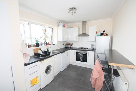 3 bedroom flat to rent - Beach Green, Shoreham by Sea