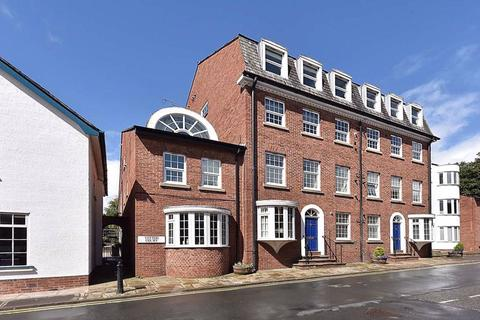 2 bedroom apartment - Well presented apartment on King Street, Knutsford