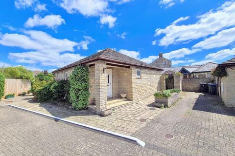 2 bedroom bungalow for sale - Frane Lea Park, Melksham