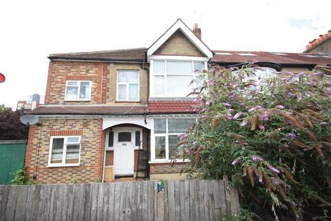 6 bedroom end of terrace house for sale - Burlington Road, New Malden, Surrey, KT3 4LP