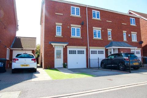 3 bedroom townhouse to rent - Acasta Way, Hull, HU9 5SE