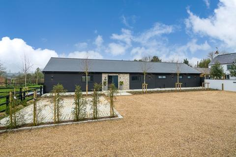 4 bedroom barn conversion for sale - Hollingdon, Buckinghamshire