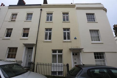 8 bedroom terraced house to rent - Lower Market Street, Hove