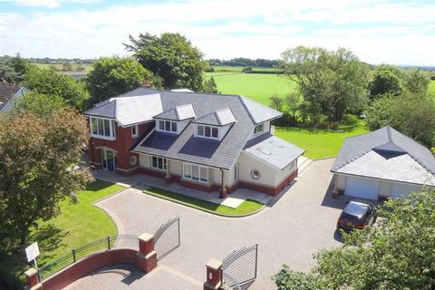 5 bedroom villa for sale - Ballam Road, Westby