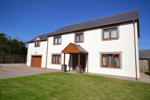 5 bedroom detached house for sale - Dwrbach, Fishguard