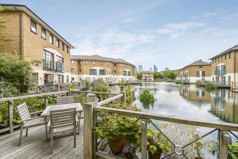 3 bedroom terraced house for sale - Plover Way, London, SE16