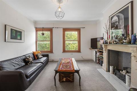 2 bedroom flat for sale - Battersea Park Road, SW11