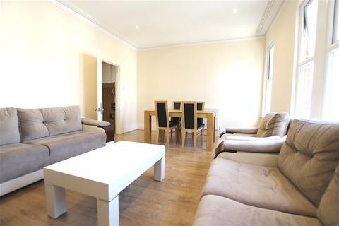 2 bedroom flat to rent - Elmdale Road, Palmers Green N13