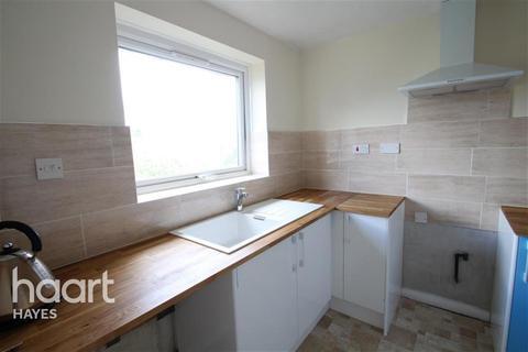 2 bedroom flat to rent - Huxley Close, UB5