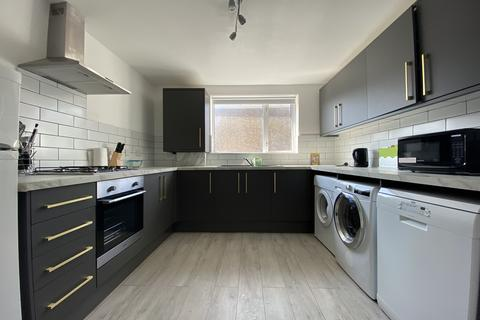 4 bedroom flat to rent - Woolwich Road, London, SE10