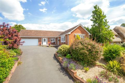 4 bedroom bungalow for sale - Easton Royal, Pewsey, Wiltshire, SN9